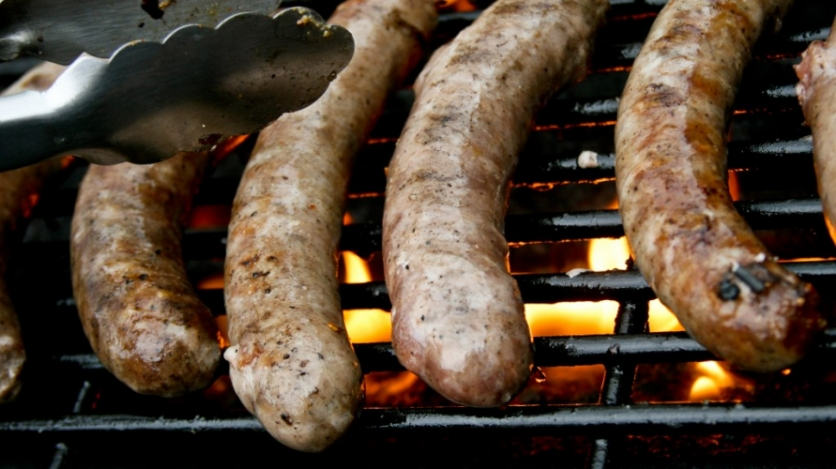 sausage links on the grill